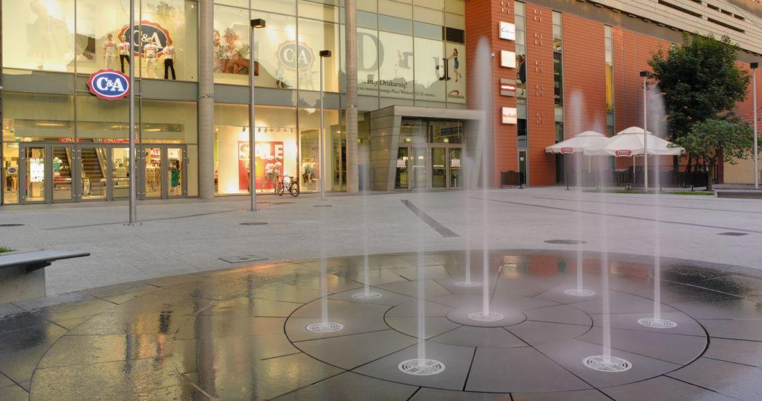 Płyty Presstone powierzchnia gładka 40x40 galeria handlowa
