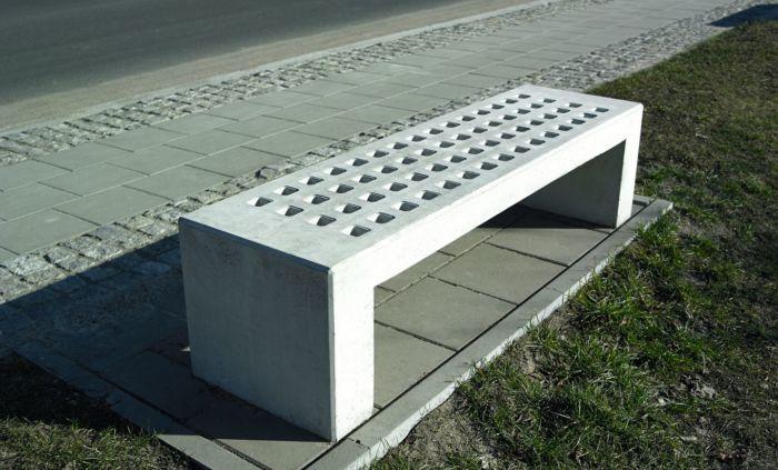 betonowa ławka miejska