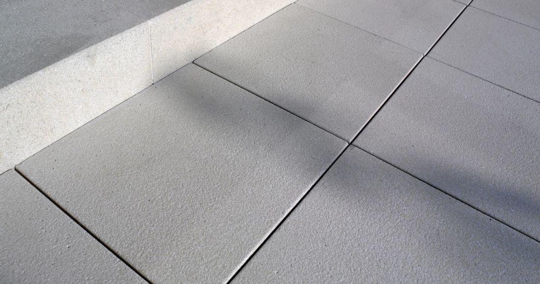 Płyty Presstone powierzchnia gładka 40x40 dolomit kremowy
